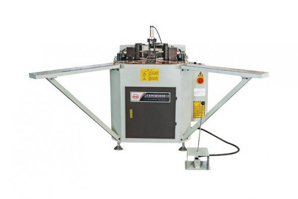 Corner combining machine for aluminum win-door