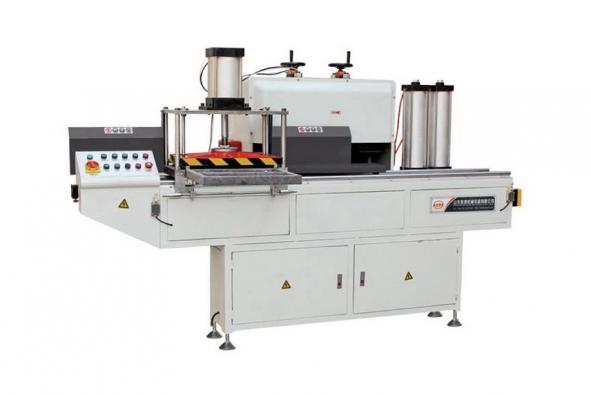 End milling machine for aluminum profiles